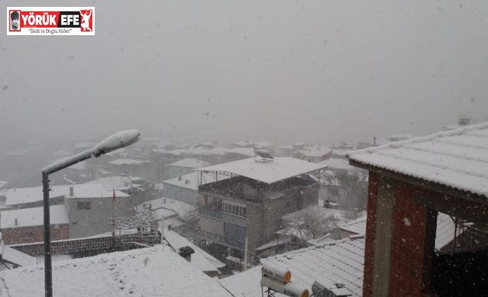 Aydın'ın yüksek kesimlerinde kar yağışı etkili oldu