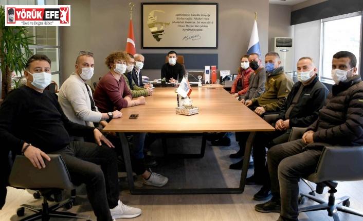 Kuşadası'nda esnaf derneği üyeleri Başkan Günel ile görüştü