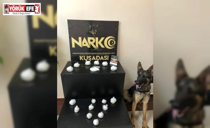 Narkotik köpeği Honaz uyuşturucuyu klozette buldu