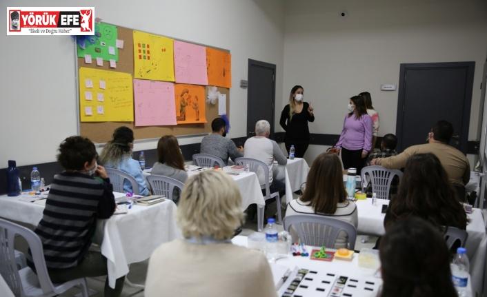 Otizm Destek Merkezi'nde öğretmen eğitimleri devam ediyor