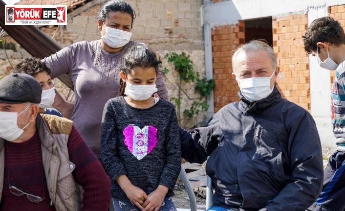 Evi yanan aileye Başkan Atabay'dan destek