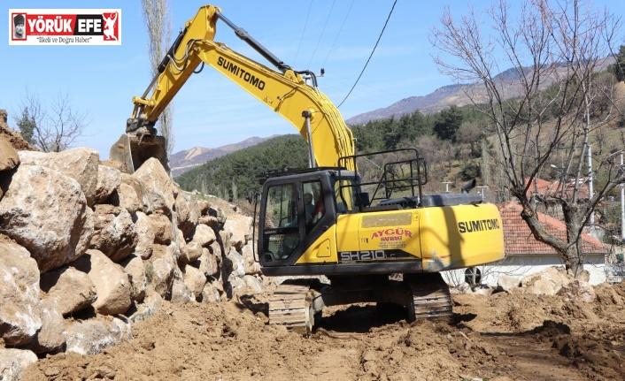 Nazilli Belediyesi Avra Mahallesi'nde çalışmalarını sürdürüyor