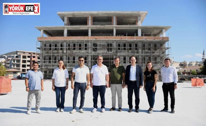 CHP'li Vekil Tezcan'dan Kuşadası Belediyesi'ne tam not