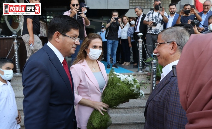 Nazilli Belediye Başkanı Özcan, Davutoğlu'nu ağırladı