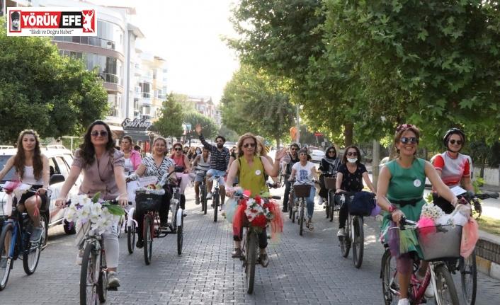 Süslü Kadınlar Bisiklet Turu'nun dokuzuncusu Nazilli'de yapıldı