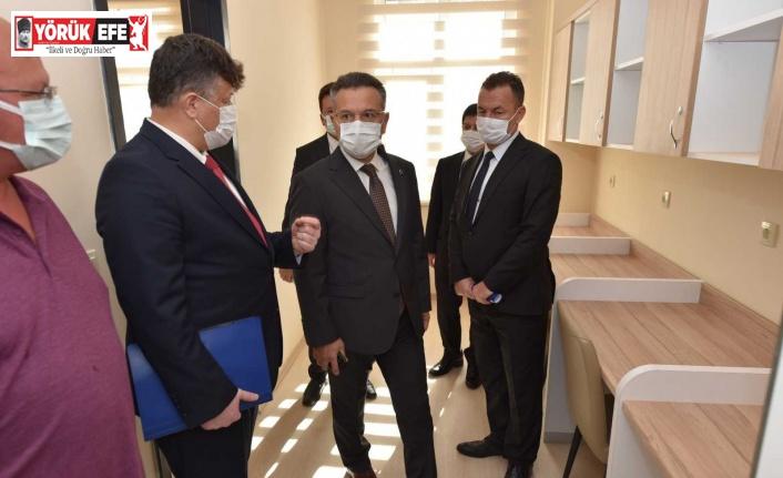 Vali Hüseyin Aksoy, KYK yurdunda incelemelerde bulundu