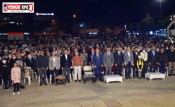 Ahmet Şafak Didim'de ülkücüleri coşturdu