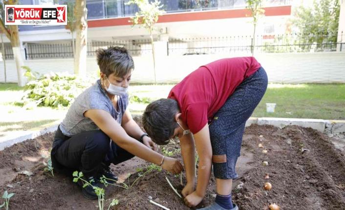 Aydın Büyükşehir Belediyesi Otizmli çocukların yanında