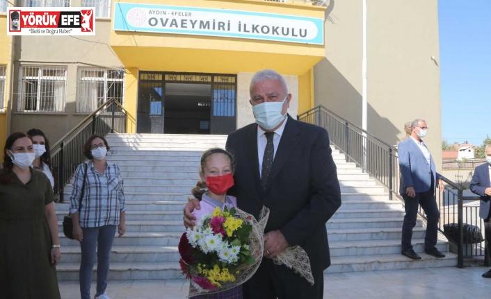 Başkan Atay'dan öğrencilerle bir araya geldi