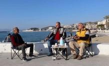 Kuşadası'Nda Vatandaşlar Sahil Bandına Ve Şehir Merkezine Akın Etti