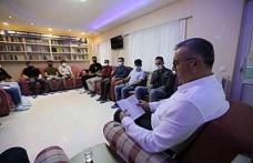 Başkanvekili Altıntaş, Altı Nokta Körler Derneği üyeleri için kitap okudu