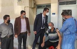 Kuyucak'ta vatandaşlar aşı olmaya ikna ediliyor