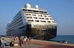 Zenginler Gemisi' Azamara Journey Kuşadası'nda