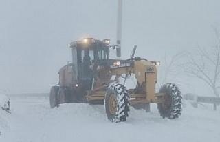 Nazilli Belediyesi karla mücadeleye devam ediyor
