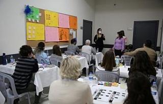 Otizm Destek Merkezi'nde öğretmen eğitimleri...