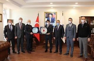 Türk Veteriner Hekimleri Birliği Rektör Aldemir...