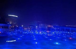 Aydın kent meydanında 'mavi' ışıkla otizme...