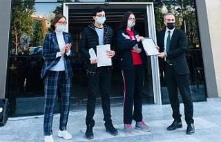 Aydın My Kolej öğrencilerine Cambrid başarı belgesi