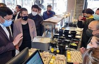 """Başkan Özcan; """"Pandemiye rağmen ticari işletmelerin..."""