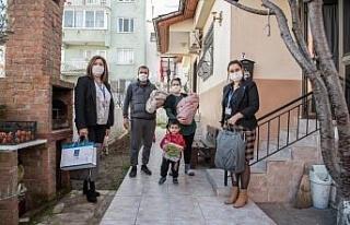 """Kuşadası Belediyesi 3 Ayda 97 bebeğe """"Hoş Geldin""""..."""