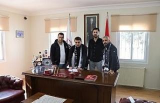 Kuşadası Gençlikspor'da yeni transferler imza...