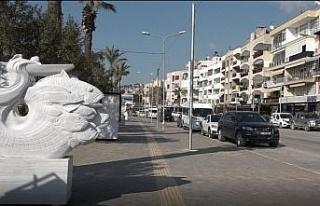 Kuşadası'nda hafta sonu sokaklar bomboş kaldı