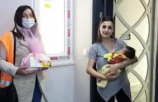 Kuyucak'ta 'Hoş Geldin Bebek' projesi sürüyor