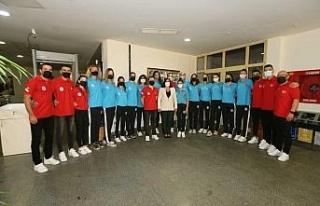 Başkan Çerçioğlu Balkan Kupası'nı kazanan...