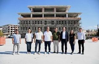 CHP'li Vekil Tezcan'dan Kuşadası Belediyesi'ne...