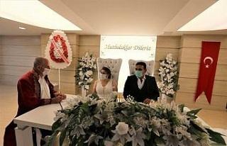 Efeler'de evlenenlerin sayısı arttı