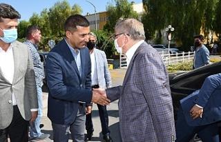 ESKİ BAŞBAKAN AHMET DAVUTOĞLU'NDAN BAŞKAN ÖMER...