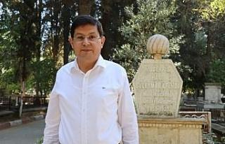 Başkan Özcan, Hacı Süleyman Efendi'yi mezarı...