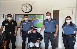 Engelli Okan'ın hayalini polisler gerçekleştirdi
