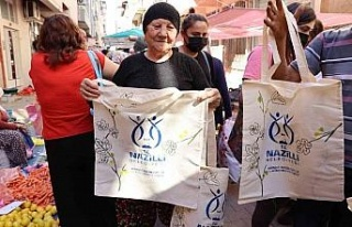 Nazilli Belediyesi 2 bin 500 adet bez çanta dağıttı