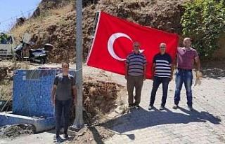 Nazilli'de 15 mahalleye dev Türk Bayrağı dikildi