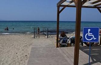 Kuşadası plajlarında engelli rampalarının sayısı giderek artıyor