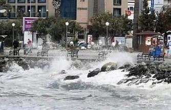 Kuzey Ege'de fırtına uyarısı
