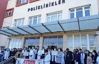 ADÜ'de asistan hekimler Tabip Odası Başkanlığı'nda fazla mesaiden şikayetçi oldu