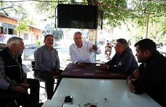 CHP'li meclis üyeleri vatandaşları dinlemeye devam ediyor
