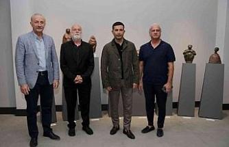 Dünyaca Ünlü Sanatçı Sağbil'in heykelleri Kuşadası'nda sergileniyor