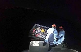 Kuşadası açıklarında 25 düzensiz göçmen kurtarıldı