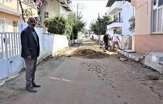 Yeşilyurt Mahallesi'nde yollar yenileniyor
