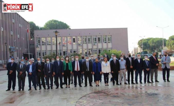 Aydın'da muhtarlar günü düzenlenen tören ile kutlandı