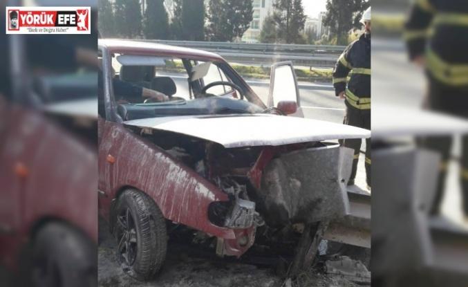 Bariyere çarpıp alev alan araç söndürüldü