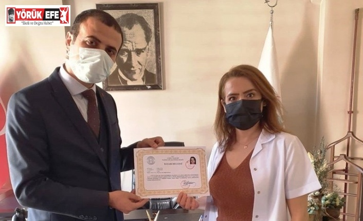 Karacasu'da sağlık personellerine başarı belgesi verildi